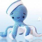 beyaz-mavi-sevimli-ahtapot-figürlü-amigurumi-modeli