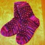 pembe el örgüsü çorap modeli