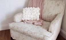 Beyaz güllü yastık yapımı
