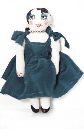 kadife-elbiseli-bez-bebek