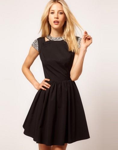 dar-mini-siyah-elbise-modelleri-3